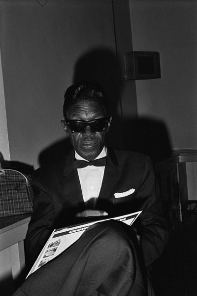 400px-Lightnin'_Hopkins_